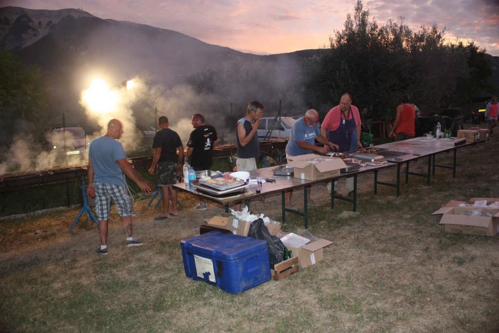 Fête des traditions - Grillade des côtelettes, soupe au pistou
